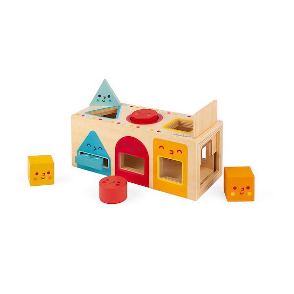 caja-con-formas-geometricas-madera