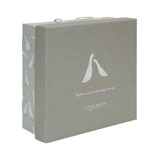 caja-regalo-ocas-little-dutch1